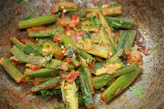 quick_stir-fried_okra_in