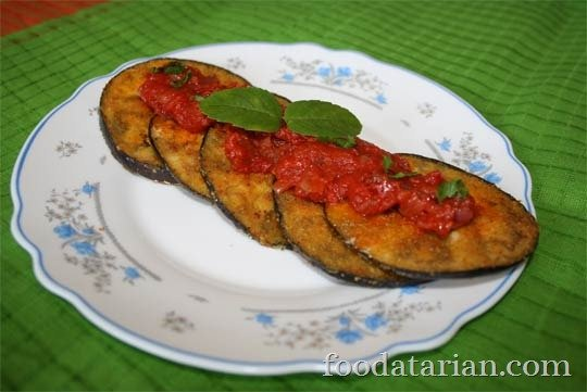 Crisp Fried Eggplant with Herbed Tomato Sauce | foodatarian.com